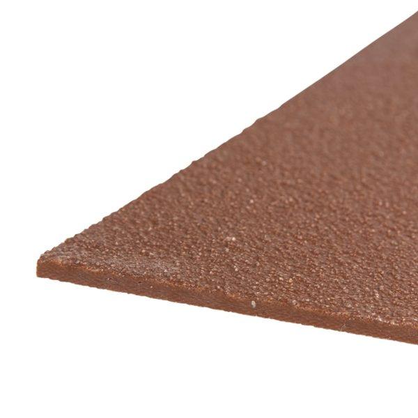 Skridsikker plade i brun på 1200mmx2000mm.