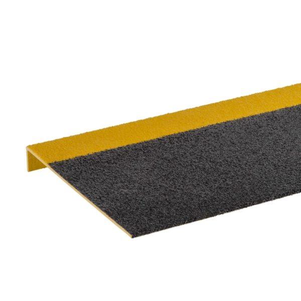 Skridsikker trinsikring profil i sort og gul på 225x450-1200mm.